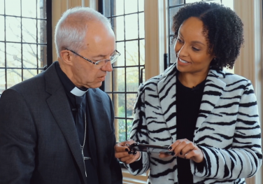 Archbishop Justin tries out the Digital Family Prayer Adventure Map & AR App